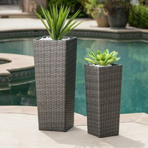 2 Piece Set Wicker Planter, Flower Pots, Garden for Sale in Los Angeles, CA
