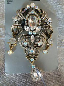 Brooch for Sale in Lithia Springs,  GA