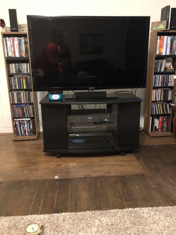 Small 6 Shelf Entertainment Center w/Wheels