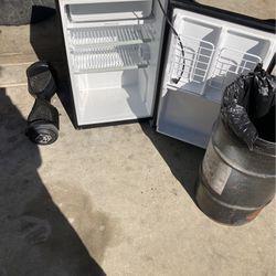 Mini fridge for Sale in Ramona,  CA