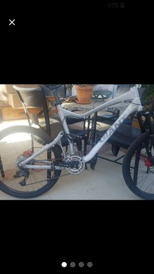 GIANT FULL SUSPENSION BIKE for Sale in Lake View Terrace, CA