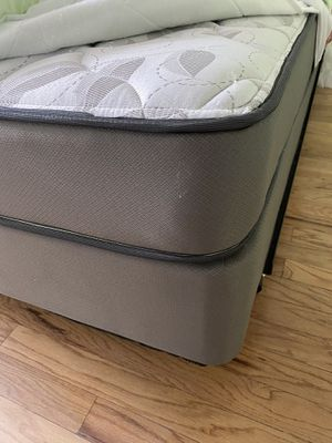 Mattress and box spring for Sale in Chicago, IL