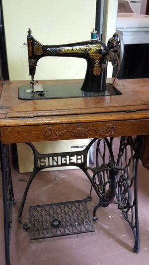 Antique singer sewing machine. for Sale in Kailua-Kona, HI