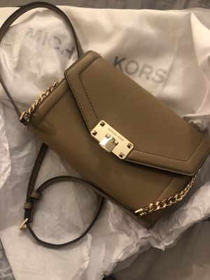 Beautiful Michael Kors classy purse $110 for Sale in Houston, TX