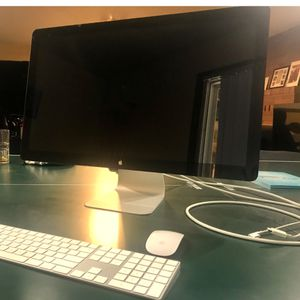 Apple Monitor - Wireless Keyboard - Magic Mouse for Sale in Gresham, OR
