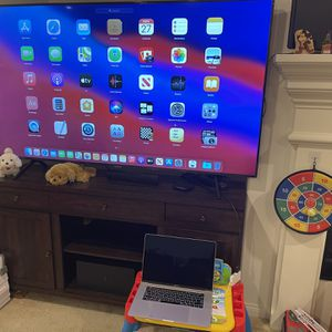 "2016 MacBook Pro 15"", i7, 16gb Ram,512gb ,touch Bar/ID, Broken Screen for Sale in Chino Hills, CA"