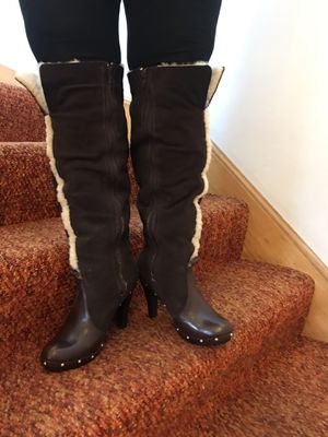 Michael Kors LEATHER / SUDE BOOTS size 9 BRAUN ,VERY VERY NICE,LIMITED EDITION,Look like New for Sale in Chicago, IL