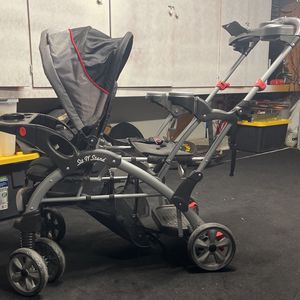 Baby Trend Sit And Stand Double Stroller for Sale in Huntington Beach, CA