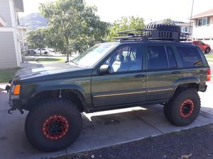 95 Lifted Jeep Grand Cherokee V8 $4000 for Sale in Waianae, HI