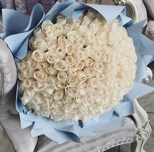 WHITE ROSES ♛ for Sale in Cudahy, CA