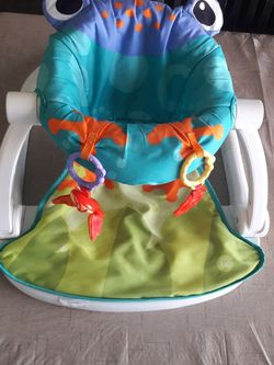 Froggy Seat Me Up for baby boy/girl for Sale in Fresno,  CA