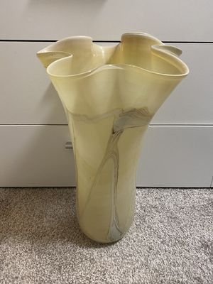 Vase for Sale in Arlington, VA