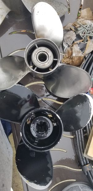 13-1/4 × 17 propellers one stainless and one aluminum for Sale in Plant City, FL