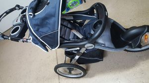 Jeep 3 wheel stroller for Sale in Columbus, OH