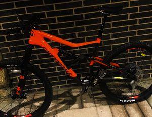 Size L 2018 -- mountain bike -- 27.5 inch Cannondale for Sale in Newark, NJ