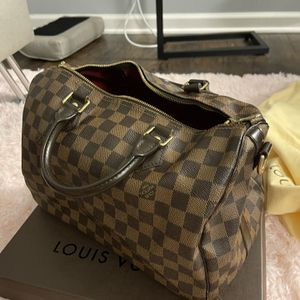 Louis Vuitton speedy Bandoulaire 30 for Sale in Chicago, IL