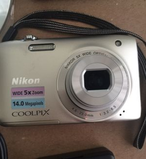 COOLPIX - S3000/ 14 MP/ 5X Wide Optical Zoom for Sale in Land O Lakes, FL
