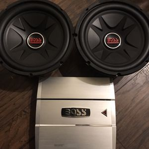 Boss 12's & Amp for Sale in Cleveland, OH