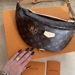 Louis Vuitton Bum Bag for Sale in Daytona Beach, FL