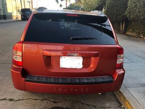 Jeep compás 2010 for Sale in Los Angeles, CA