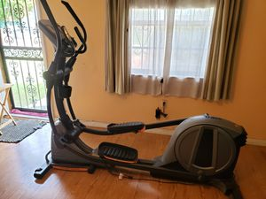 NordicTrack E7.7 Power Incline Elliptical for Sale in Miami, FL