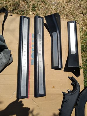 Infiniti G35 misogynist interior parts and some body parts for Sale in Elk Grove, CA