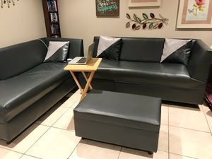 SECTIONAL SOFA & OTTOMAN for Sale in Pembroke Pines, FL