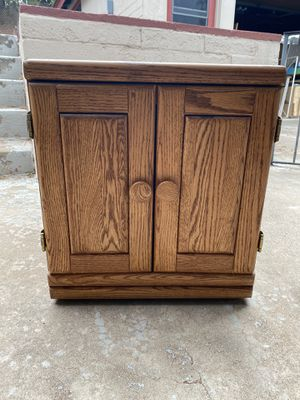 Oak End Table for Sale in Spring Valley, CA