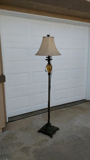 Tropical floor lamp for Sale in Fontana, CA