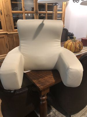 Frontgate Bed Cushion/Massager/Light $25 for Sale in Lambertville, NJ