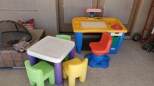 Little tikes light table set for Sale in Phoenix, AZ