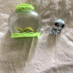 Cute Mini Set Lps caterpillar into Terrarium for Sale in Winton,  CA