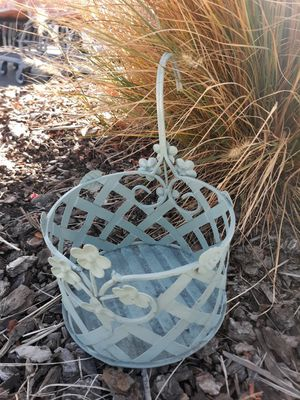 Hanging pot basket garden pot deck or porch decor for Sale in Folsom, CA