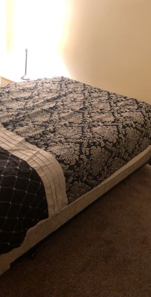 QUEEN BEDROOM SET FOR SALE for Sale in Kennesaw, GA