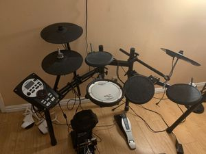 ROLAND TD-11 Electronic Drum Set for Sale in Claremont, CA