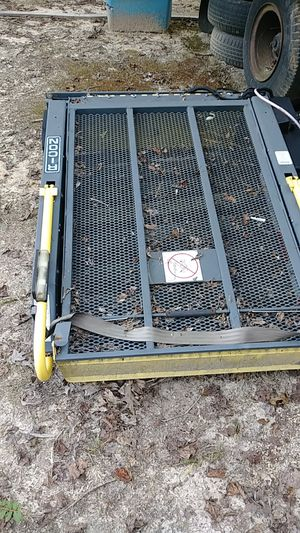 Ricon wheelchair lift for Van or RV for Sale in Julian, NC