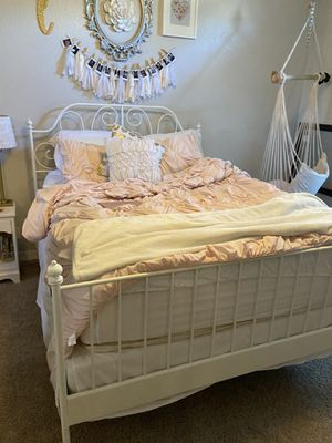 White queen bed frame for Sale in Queen Creek, AZ