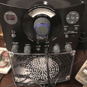 The singing machine karaoke w/new microphone in box for Sale in Port St. Lucie, FL