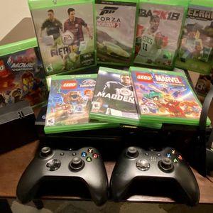 Xbox One All Black for Sale in Renton, WA