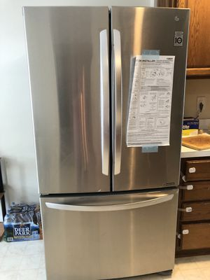 LG 25 cu ft French door refrigerator Almost New for Sale in Vienna, VA