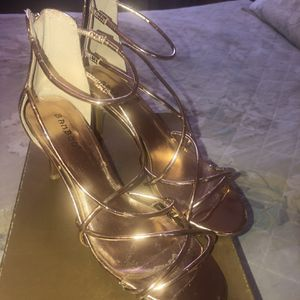 Beautiful Rose Gold Strap Shoes, Size 8 for Sale in Los Angeles, CA