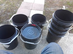 8 BUCKETS 5 - WITH LID for Sale in Orlando, FL