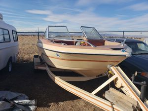 Glastron 18ft ski and fishing boat for Sale in Windsor, CO