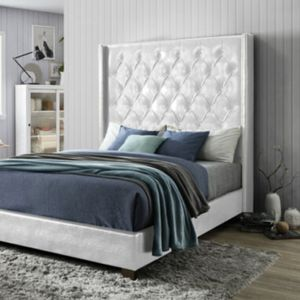 BEAUTIFUL CF9078 QUEEN GLOSSY WHITE BED. ADD ON PLUSH PILLOWTOP 15' MATTRESS AND FOUNDATION $899. SAME DAY DELIVERY ! for Sale in St. Petersburg, FL