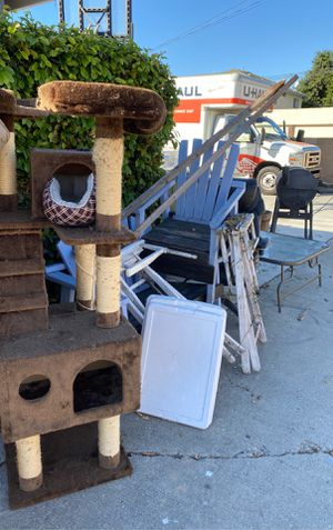 Free stuff- first come first serve. Come and pick up! for Sale in Los Alamitos, CA