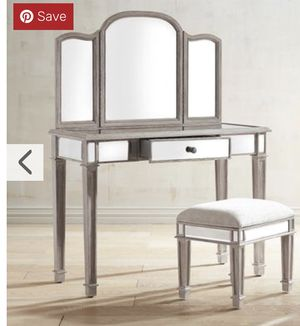 Hayworth Makeup Mirrored Vanity Set for Sale in Mount Juliet, TN