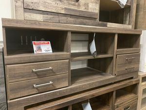 TV Stand with Fireplace Option , Brown for Sale in Norwalk, CA