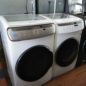 NEW ! SAMSUNG FLEX 2 IN 1 WASHER AND GAS DRYER for Sale in Spring Valley, CA
