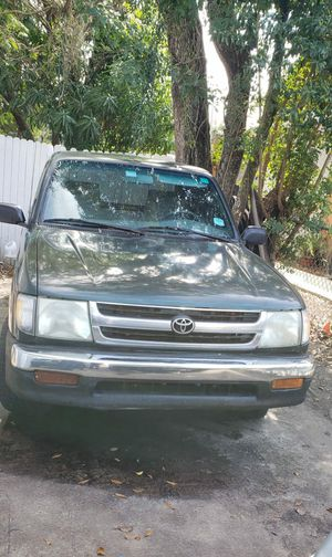 1999 Toyota Tacoma,stick shift for Sale in Tampa, FL