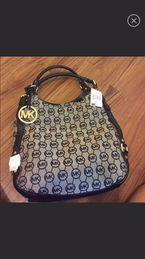 BRANDNEW Michael kors Bedford bag retails for 398+tax for Sale in Pittsburgh, PA